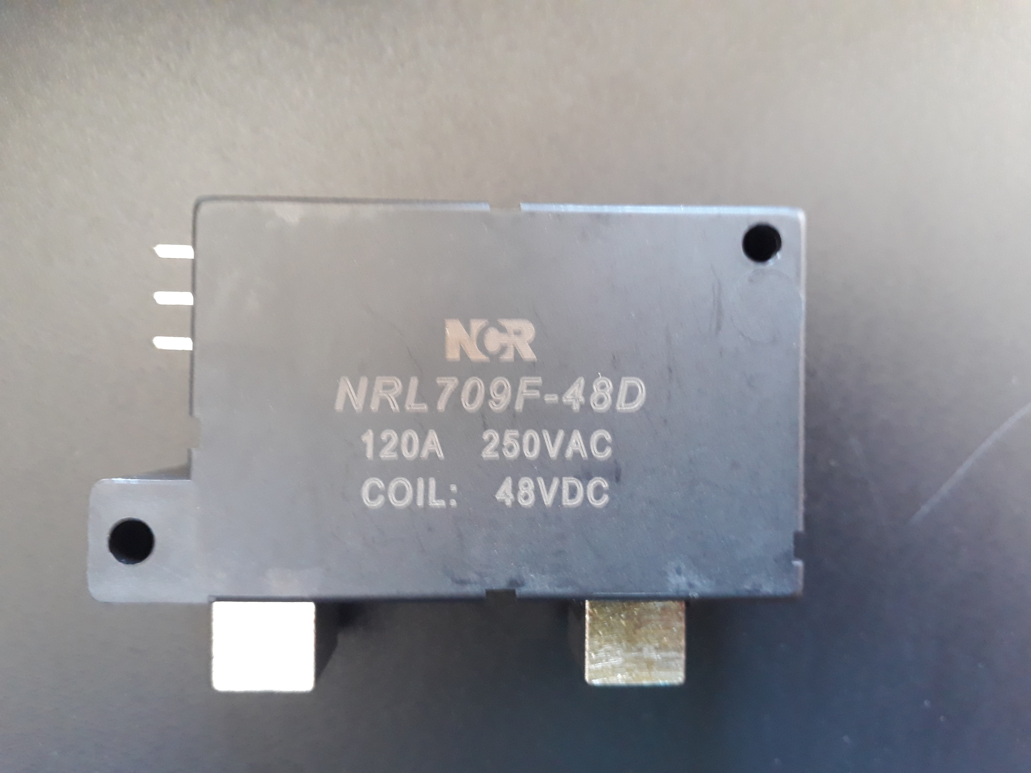 Latching relay 120A /250VAC cívka 48Vdc